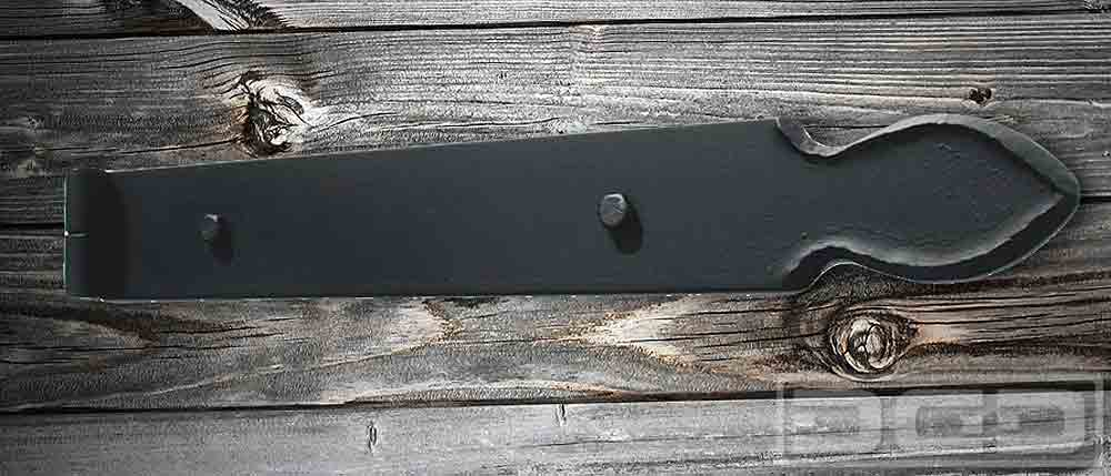 06 | Iron-Forged Hinge With Hammered Edge