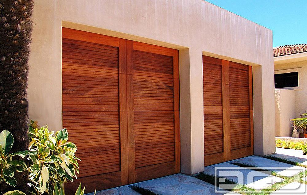 Century doors colonial mid century doors sc 1 st for Stylish garage doors