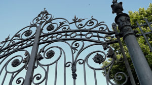Safety: The Number One Factor to Consider When Choosing a New Driveway Gate