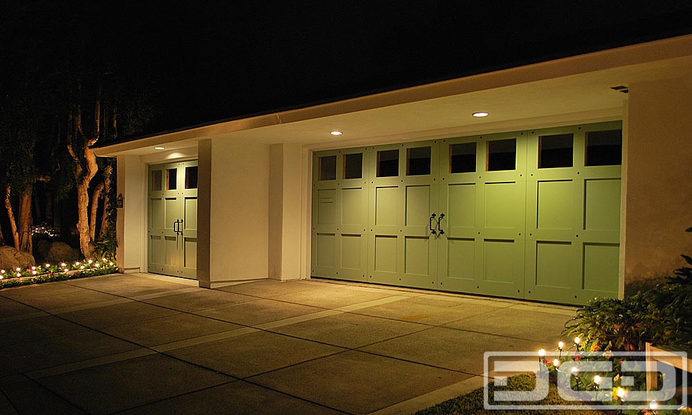 Coastal Cottage 05 | Custom Architectural Garage Door
